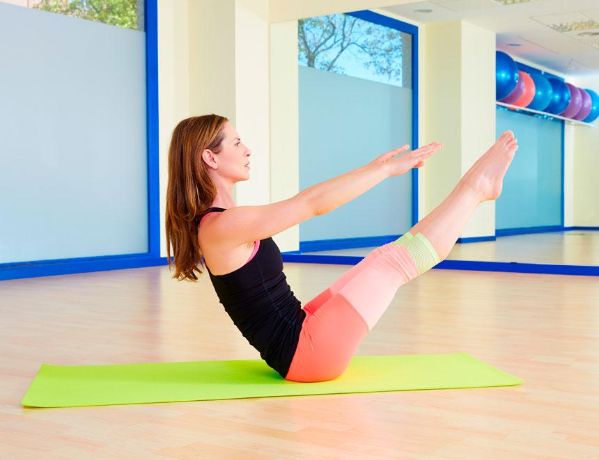 Aprenda a melhor forma de aplicar o Pilates solo em seu stúdio
