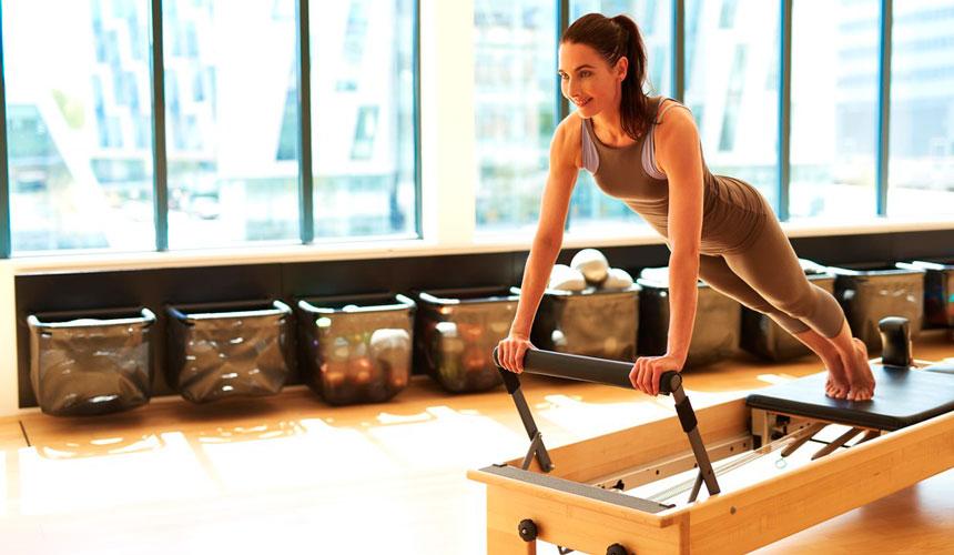 5 exercícios de Pilates mais conhecidos para incluir no seu Studio