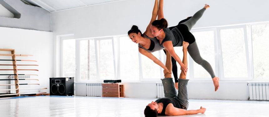 Acro-Yoga-4