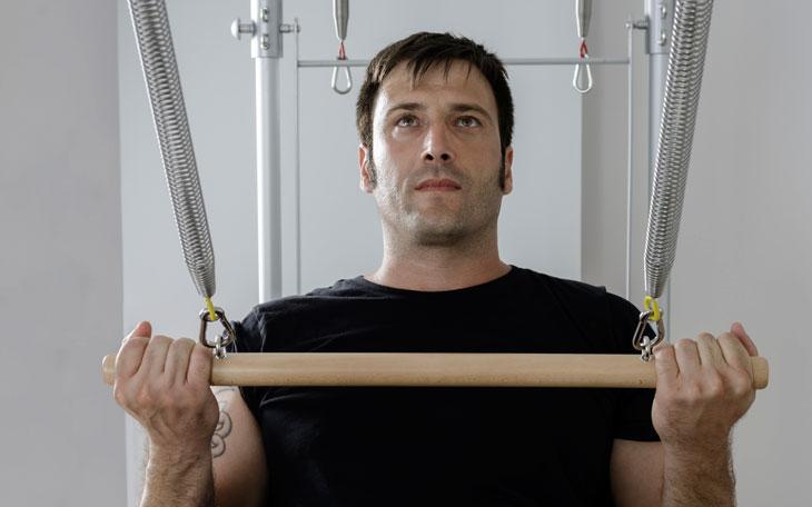 Como mostrar os benefícios do Pilates para homens?
