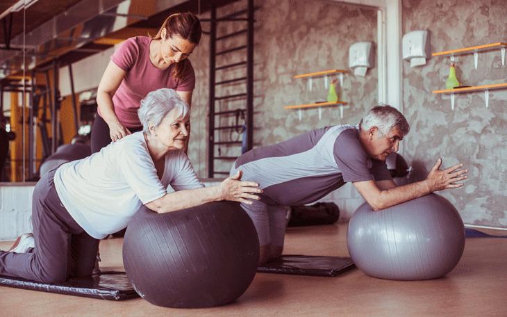Entenda como funciona o tratamento do Pilates na Fibromialgia