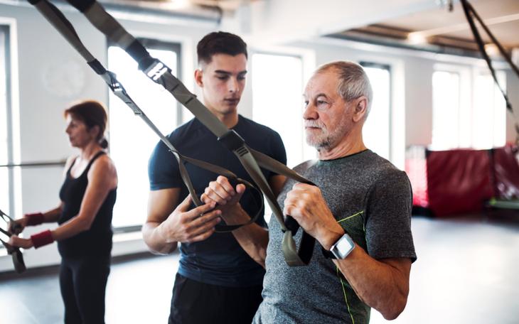 Será que posso usar treinamento suspenso para idosos?