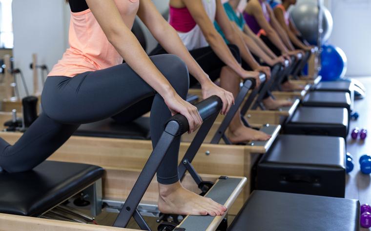 Aprenda a planejar uma aula de Pilates em grupo