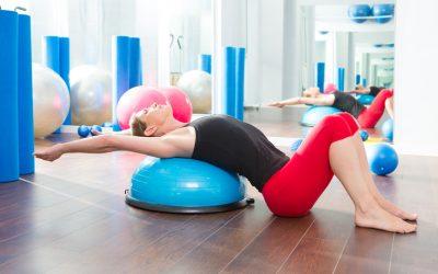 13 exercícios no Bosu para tornar sua aula mais dinâmica e desafiadora