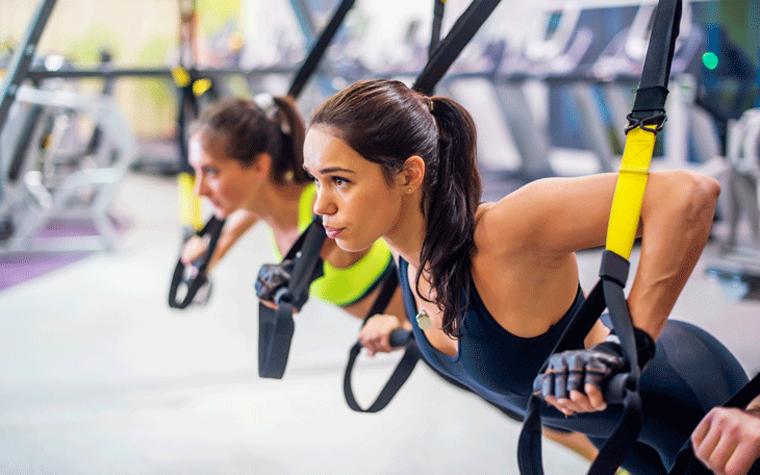 Saiba como criar uma aula de reabilitação do ombro com Treinamento Suspenso