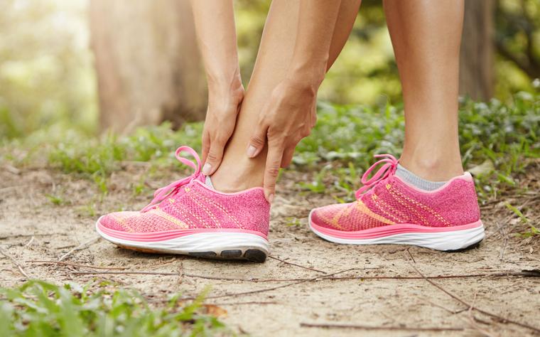 Por que você deve começar a trabalhar mobilidade de tornozelo agora? (+5 exercícios)