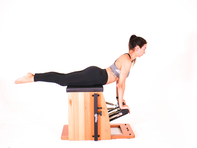 01 - Swan Front: Os melhores exercícios de Pilates para a reabilitação do quadril