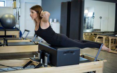 Conheça os melhores exercícios de Pilates para escoliose