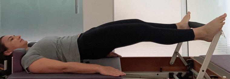 Exercício 9 - Pelvic Lift (3 molas) exercícios do nível básico