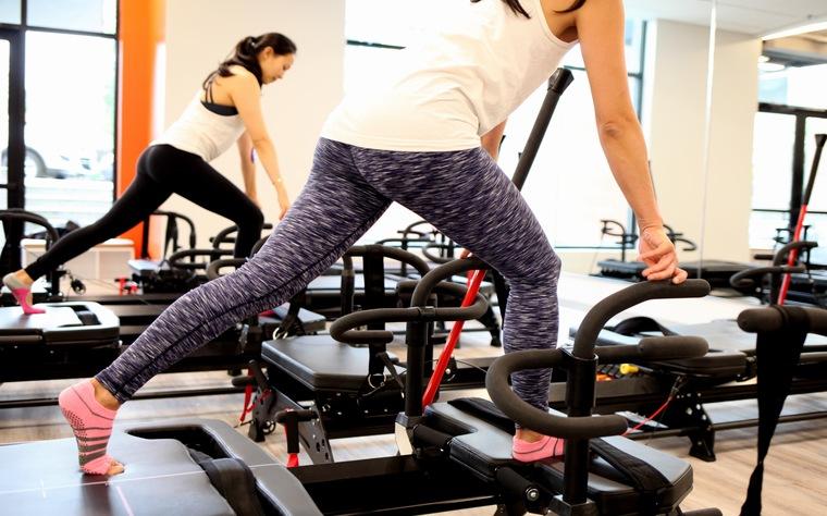 É possível trabalhar o fortalecimento muscular com o Método Pilates? (+5 exercícios)
